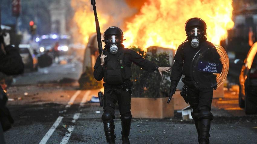 susanne_posel_news_-Riot-police-March-29-2012-Barcelona-Spain